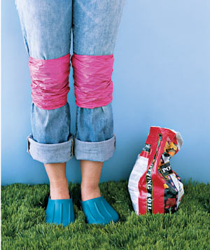Need to kneel in your garden to pull weeds, or on the street to change a tire, but don't want to preserve the memory eternally on your pant legs? Grab a couple of plastic bags and tie one around each knee, covering the area that will be exposed to dirt and grime.