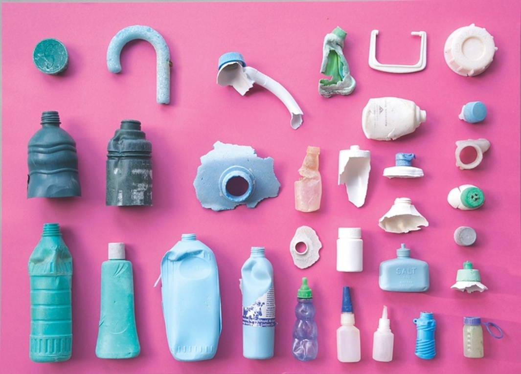 [Pictures] Plastic waste in Pacific Ocean washed up on Hawaii beach | ecogreenlove