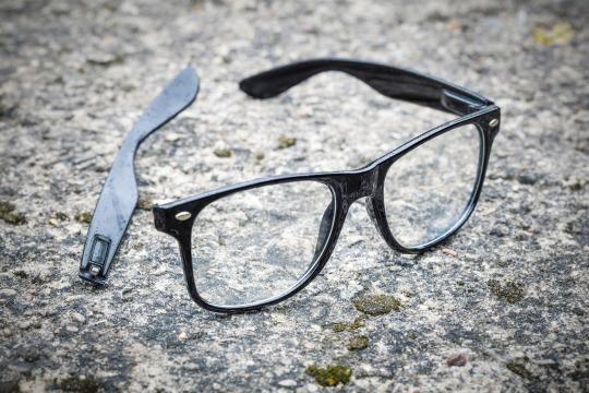 Eyeglasses hacks • Creative Ways to Repurpose Eyeglasses   ecogreenlove