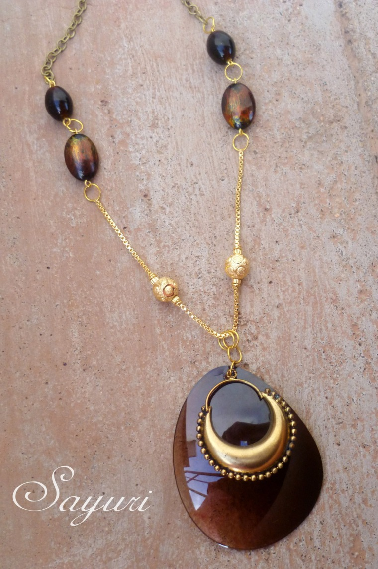 Sunglasses pendant • Creative Ways to Repurpose Eyeglasses | ecogreenlove