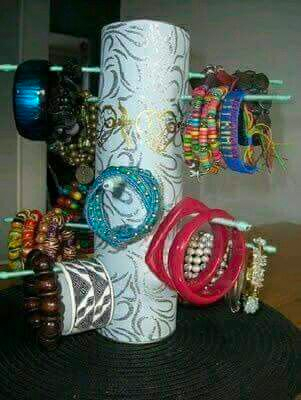 Accessories holder • Creative Ways to Repurpose Pringles tube cans | ecogreenlove