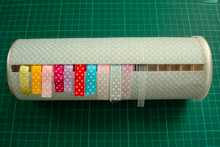 Ribbon storage • Creative Ways to Repurpose Pringles tube cans | ecogreenlove