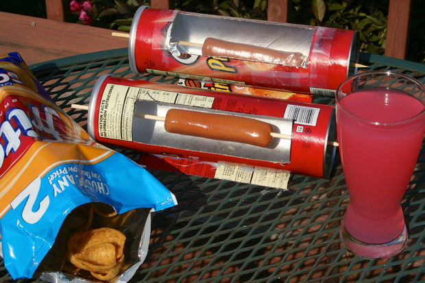 Hot Dog cooker • Creative Ways to Repurpose Pringles can tubes | ecogreenlove